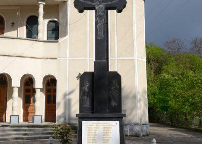Crucea Monument închinată Eroilor din Primul și al Doilea Război Mondial, Budești, comuna Budești