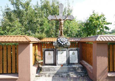 Finteușu Mic – Monumentul Eroilor din cele Două Războaie Mondiale