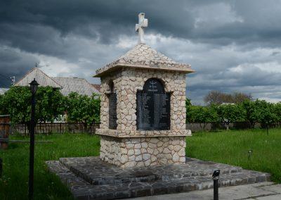 Ieud – Monumentul Eroilor Căzuți în Primul și al Doilea Război Mondial