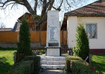 Ocna Șugatag – Monumentul Eroilor din Primul și al Doilea Război Mondial