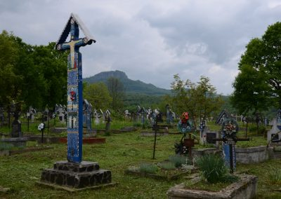 Săpânța – Troița Monument pentru Eroii căzuți în Primul și al Doilea Război Mondial