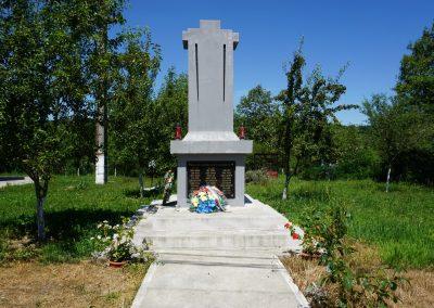 Tămășești – Monumentul Eroilor din Primul și al Doilea Război Mondial