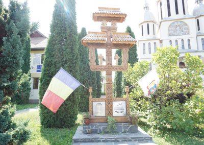 Tăuții de Sus – Troița de lemn – Monument închinat Eroilor din cele Două Războaie Mondiale